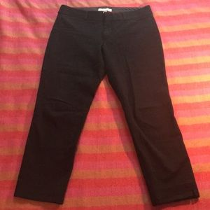 Black cropped crepe pants